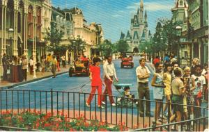 Walt Disney World Main Street Postcard w0763 (Image1)