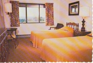 Ladore Lodge Waymart PA Postcard x0125 (Image1)