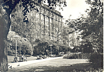 Click here to enlarge image and see more about item cs2916: View from Embankment Gardens of the Savoy
