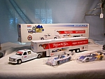 Click here to enlarge image and see more about item d2567: Exxon 1996 Race Team Support Vehicle Set MIB