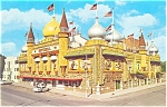 Click here to enlarge image and see more about item lp0036: 1960 MitchellSD Corn Palace Postcard lp0036 Cars 50s