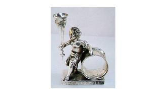 BUDVASE NAPKIN RING WITH LARGE CHERUB (Image1)