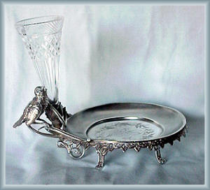 FIGURAL CARD RECEIVER WITH PATTERN GLASS VASE (Image1)