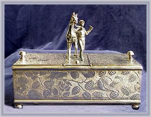 VICTORIAN SILVERPLATED HUMIDOR HORSE & RIDER (Image1)