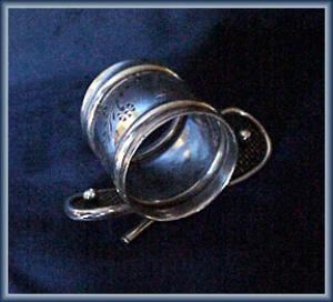 VICTORIAN FIGURAL NAPKIN RING TENNIS RACQUETS (Image1)