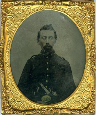 Tintype, Double Armed Yankee Wearing U.S. Belt Plate (Image1)