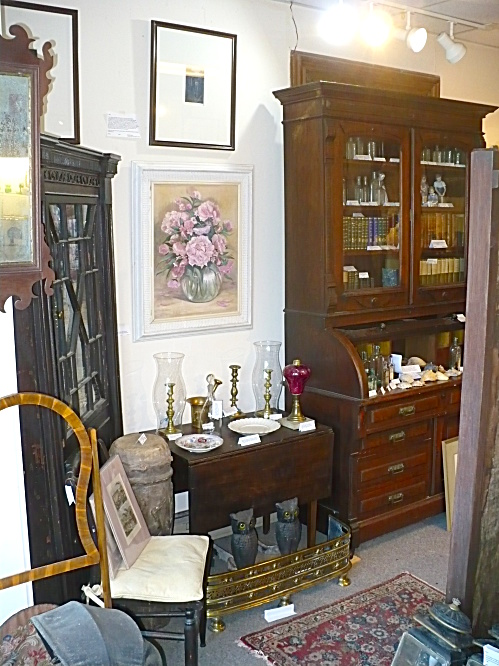 WINDHAM ANTIQUES CABINETS CUPBOARDS APPRAISAL VALUATION SERVICES (Image1)